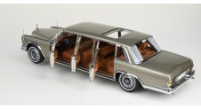 CMC 1/18 Mercedes-Benz 600 Pullman W 100 Limousine with sunroof